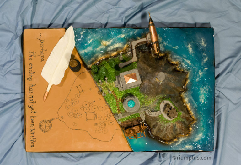 Myst Island Cake - top/aerial/above view