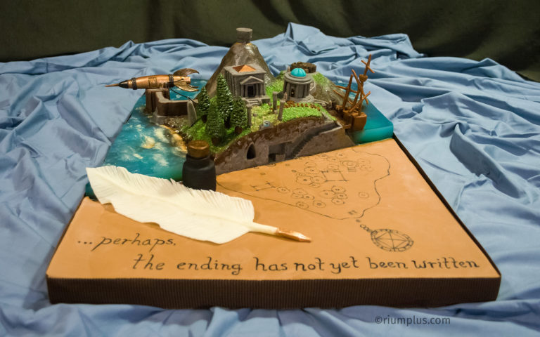 Myst Island Cake - front view